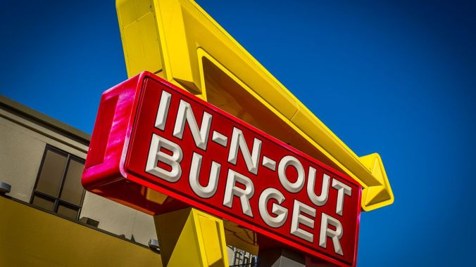 in-n-out-burger_signage_flickr.0.0